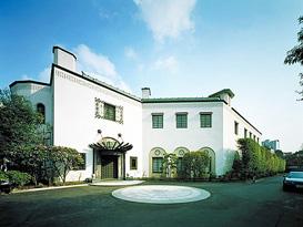 歴史を刻む名建築・米国大使公邸に日本の現代アートを展示 | ニュース ...